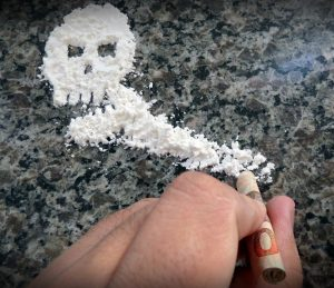 Donna muore per cocaina
